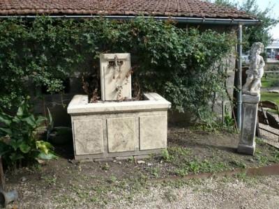 Fontaine murale en pierre de Bourgogne - Antiquités de jardin