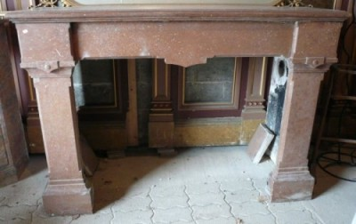 Gothic style Fireplace from an old  castle. - Antique fireplaces