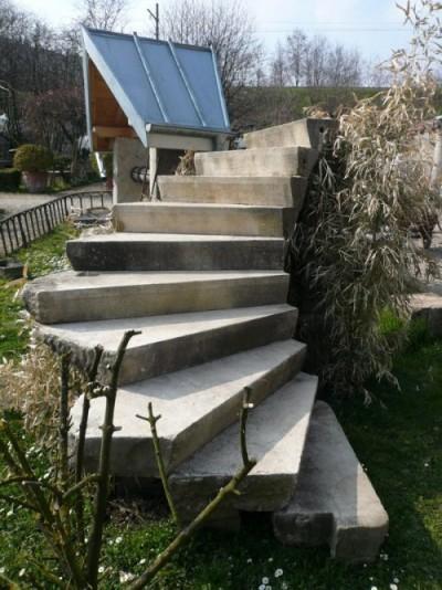 Burgunder steinerne Treppe Viertel Umdrehung - Garten Ornamente