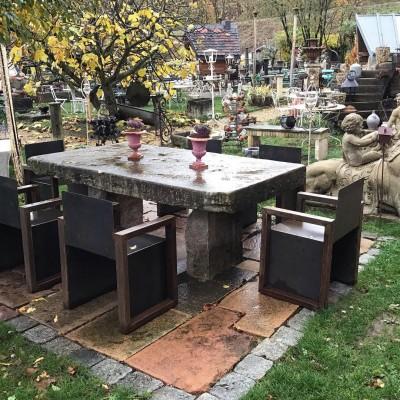 TABLE EN PIERRE - Décoration de jardin