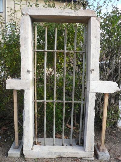 Blindrahmen und Fenster Burgunder Stein - Antiquitäten des Gebäudes