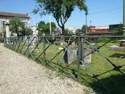 ENSEMBLE DE BARRIERES - Antiquités de jardin
