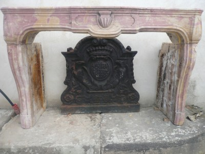 LOUIS XIV STONE FIREPLACE - Antique fireplaces