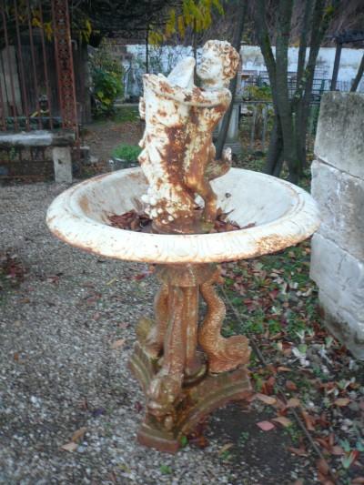 FONTAINES - Antiquités de jardin