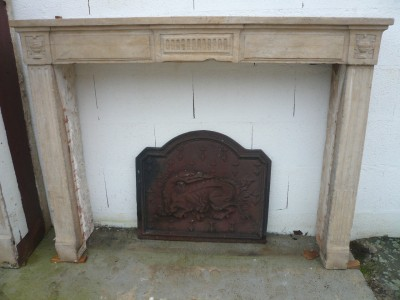STONE FIREPLACE  LOUIS XVI - Antique fireplaces