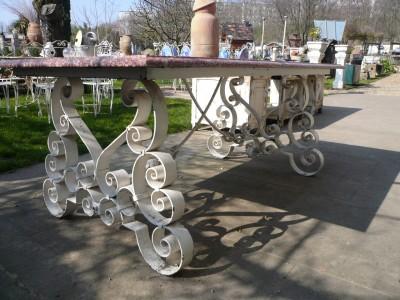 TABLE DE JARDIN - Antiquités de jardin