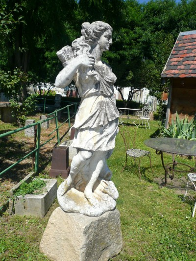 Garden Statue - Garden antiquities