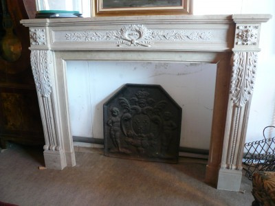 STONE FIREPLACE - Antique fireplaces