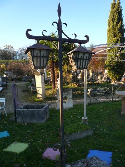 LAMPADAIRES - Antiquités de jardin